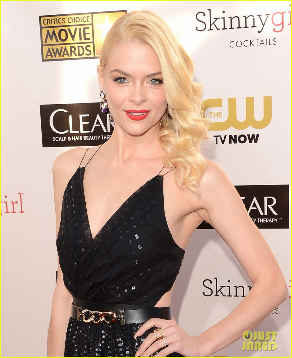 jaime king critics choice awards 2013 red carpet 012789035