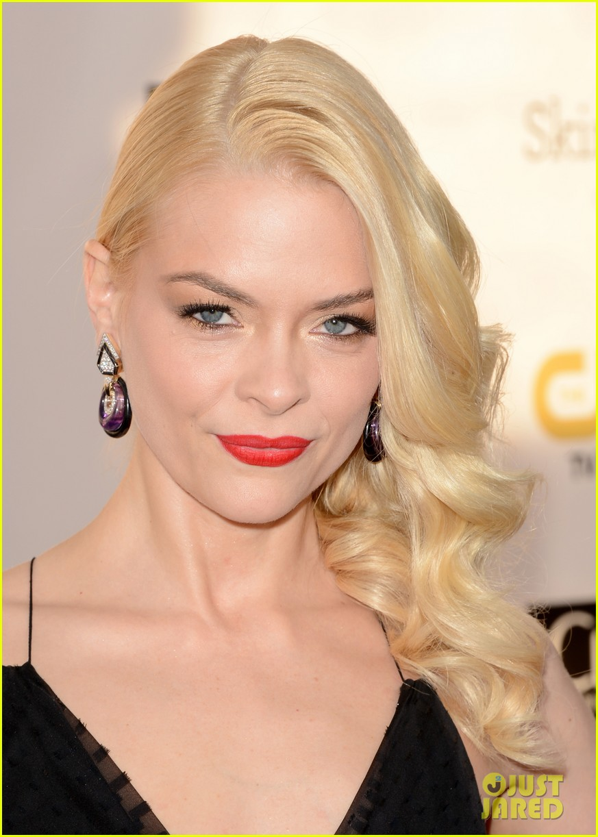 jaime king critics choice awards 2013 red carpet 03