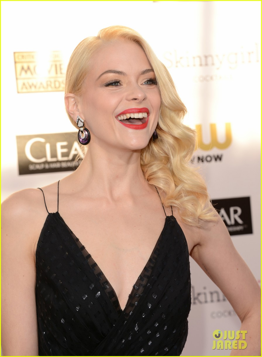 jaime king critics choice awards 2013 red carpet 05
