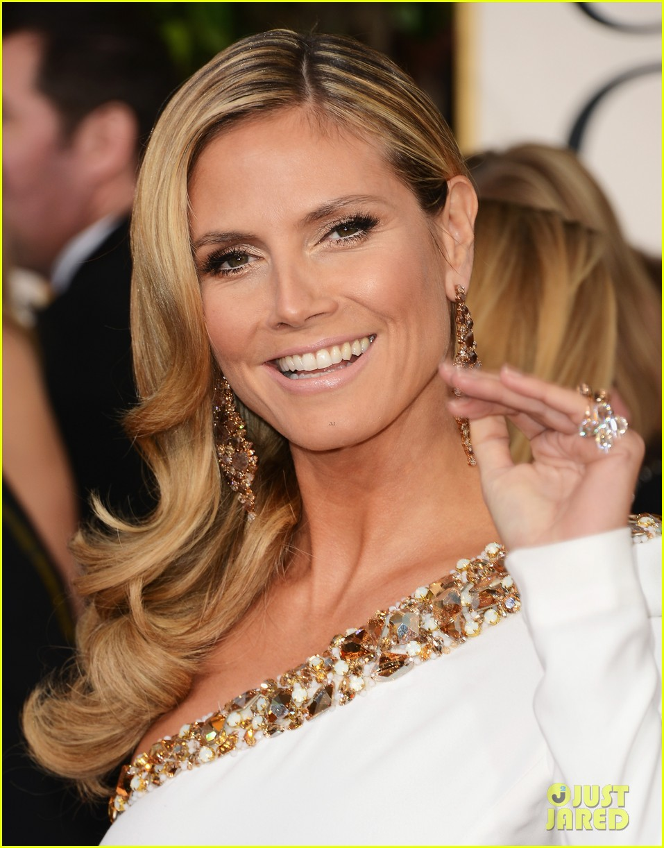 heidi klum golden globes 2013 red carpet 042791797
