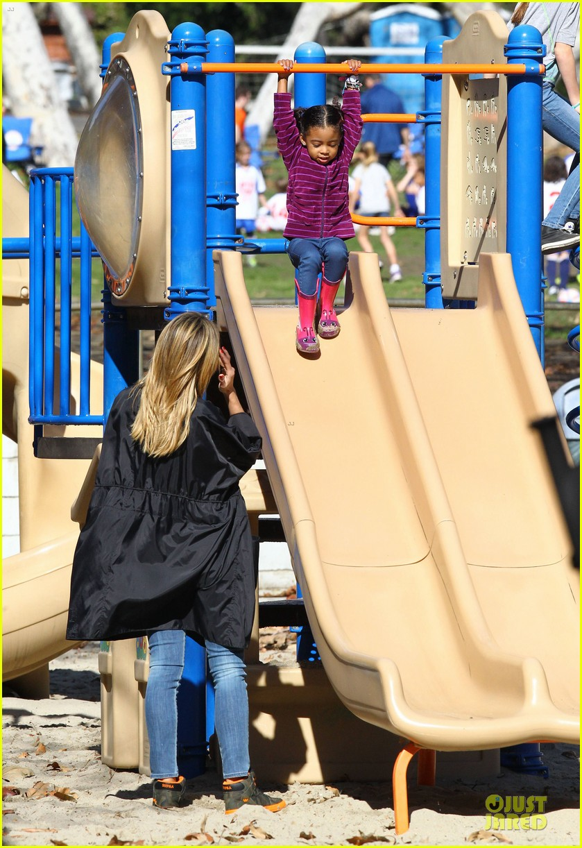 heidi klum martin kirsten swinging saturday with the kids 162799009