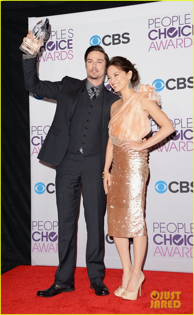 kristin kreuk jay ryan peoples choice awards 2013 05