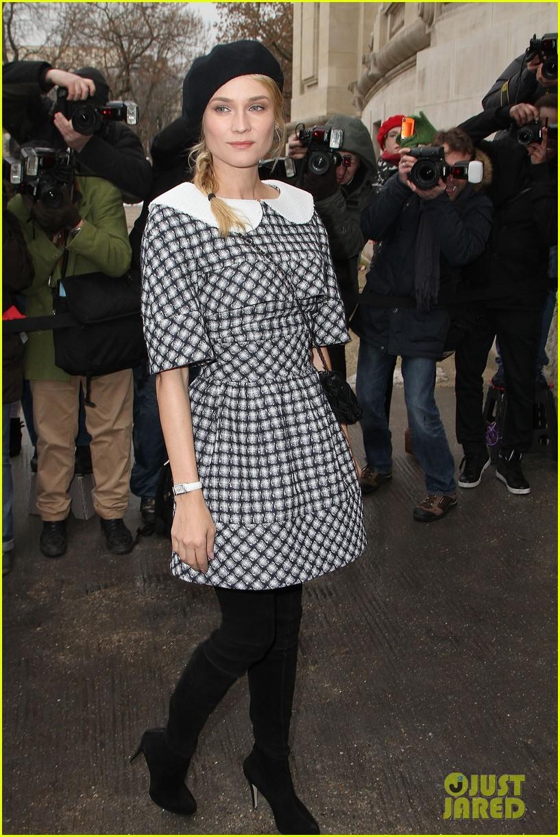 diane kruger hailee steinfeld chanel paris fashion week show 012796561