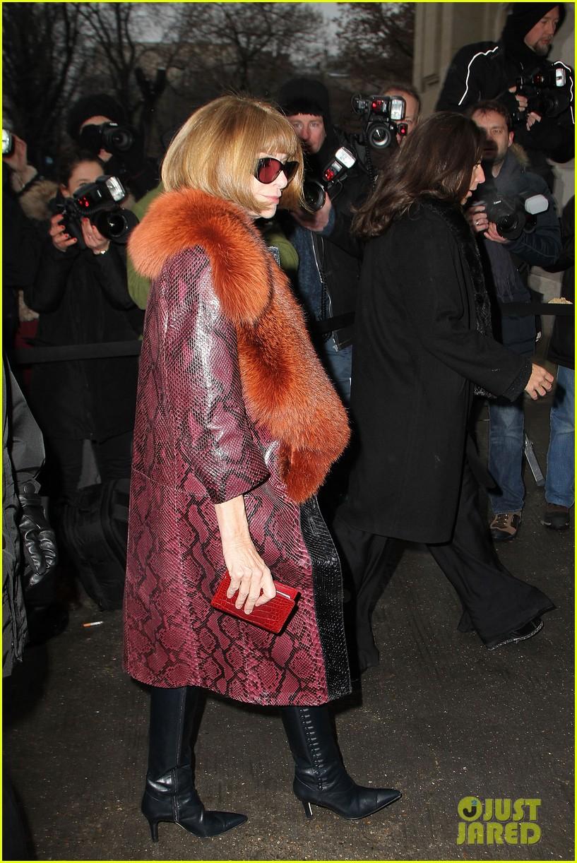 diane kruger hailee steinfeld chanel paris fashion week show 032796563