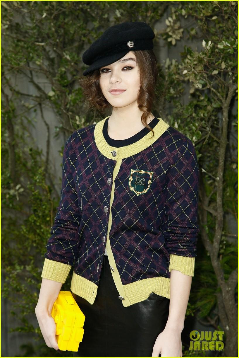 diane kruger hailee steinfeld chanel paris fashion week show 252796585
