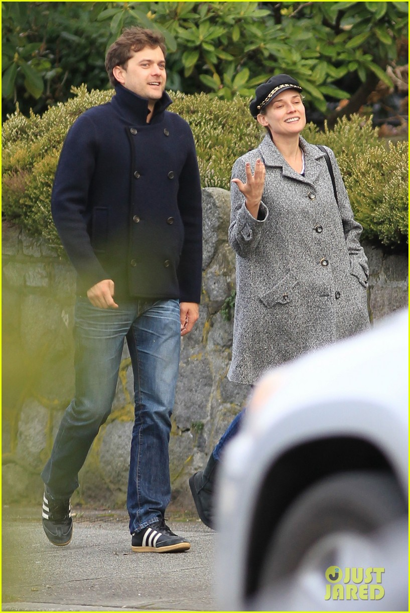 diane kruger joshua jackson football sunday 07