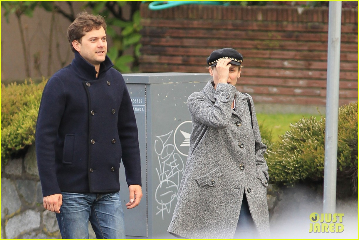 diane kruger joshua jackson football sunday 092796059