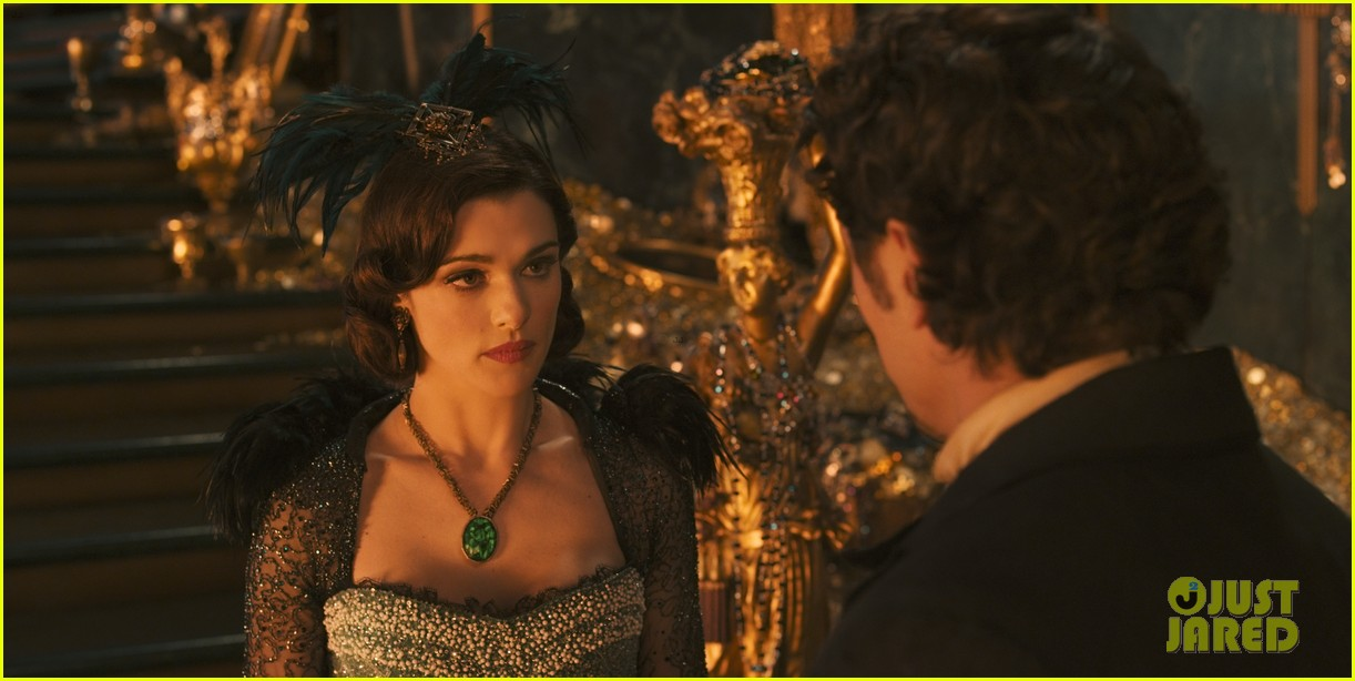 mila kunis james franco oz the great and powerful set visit 032801833