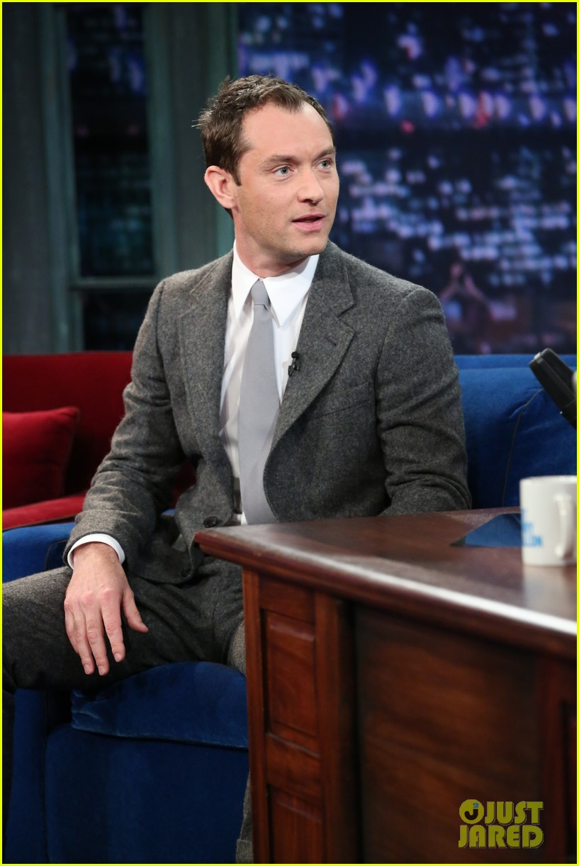 jude law late night with jimmy fallon appearance 012801882