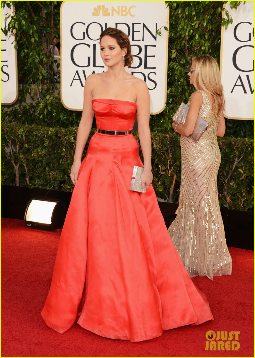 jennifer lawrence golden globes 2013 red carpet 072790928