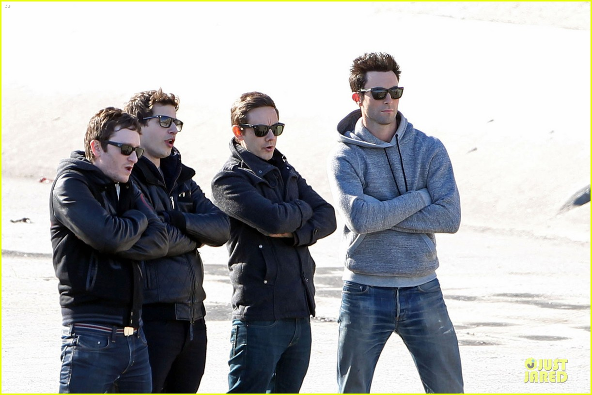 adam levine andy samberg music video shoot with the loney island 042794523