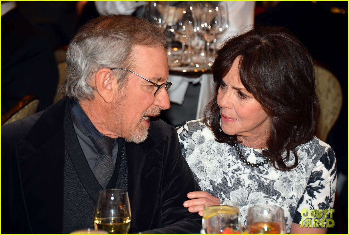daniel day lewis sally field lincoln cast at afi awards 2013 16