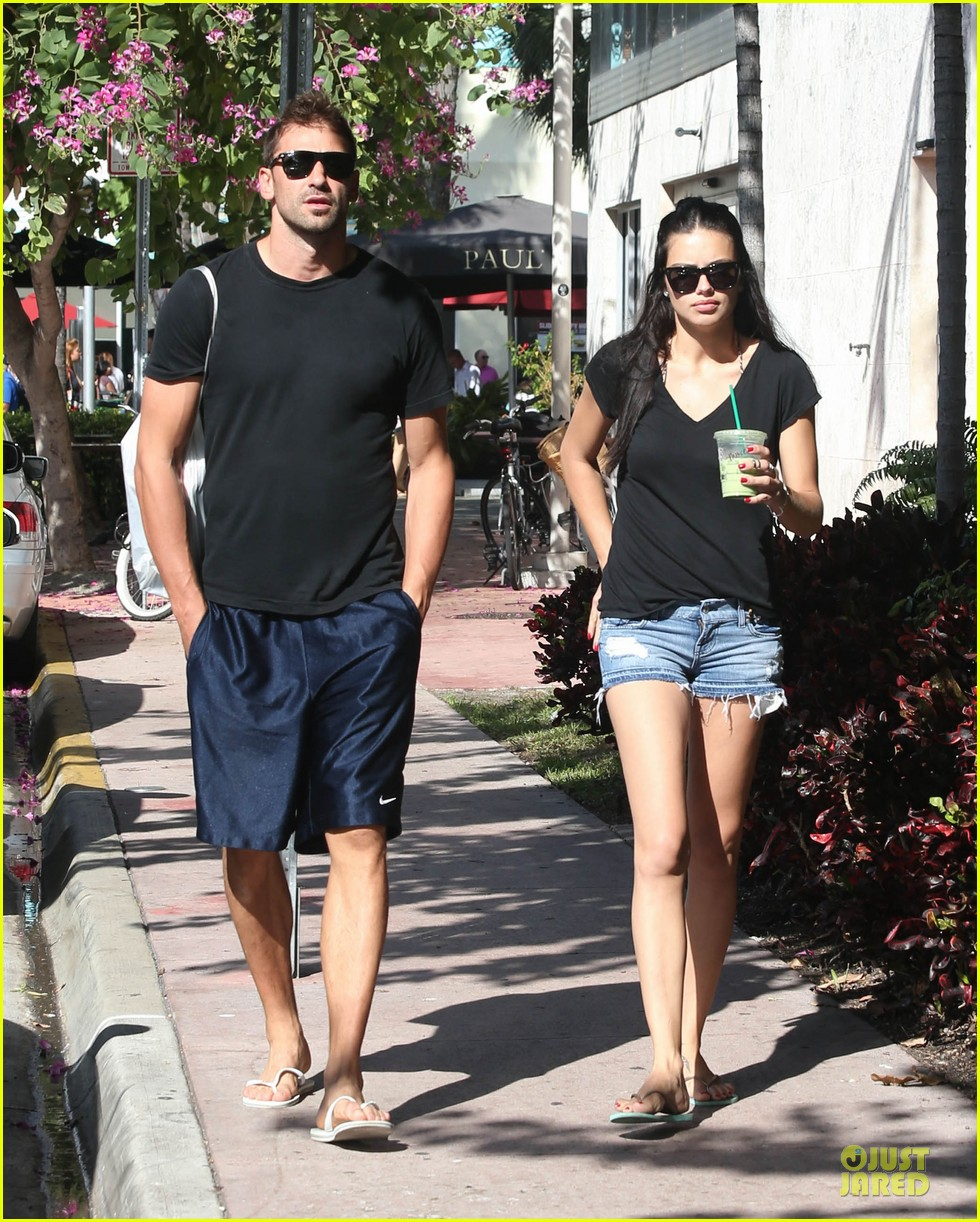 adriana lima chilling with husband marko jaric 012785225