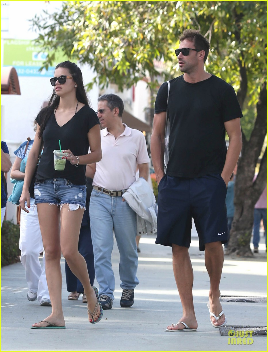 adriana lima chilling with husband marko jaric 05