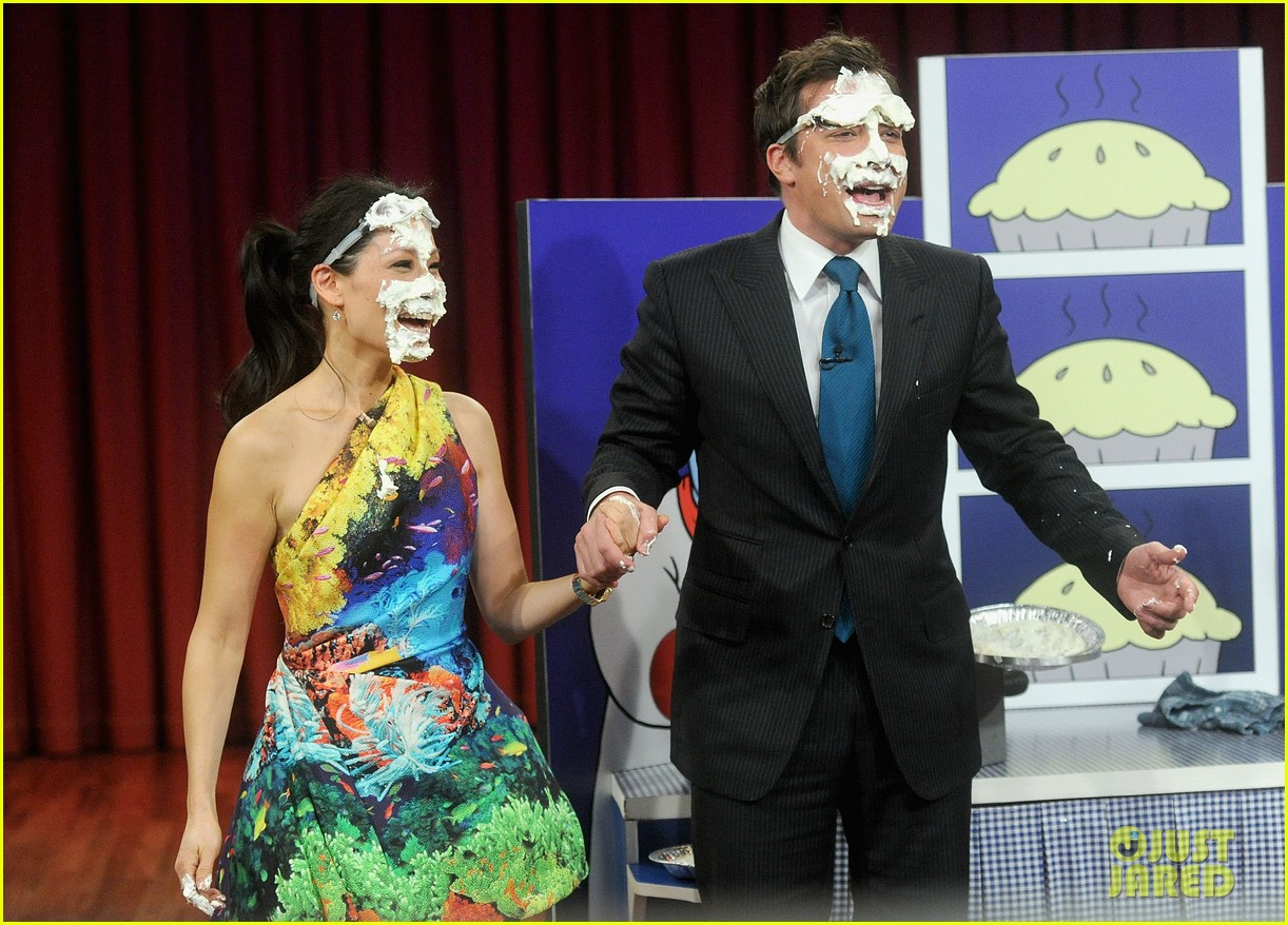 lucy liu late night with jimmy fallon appearance 01