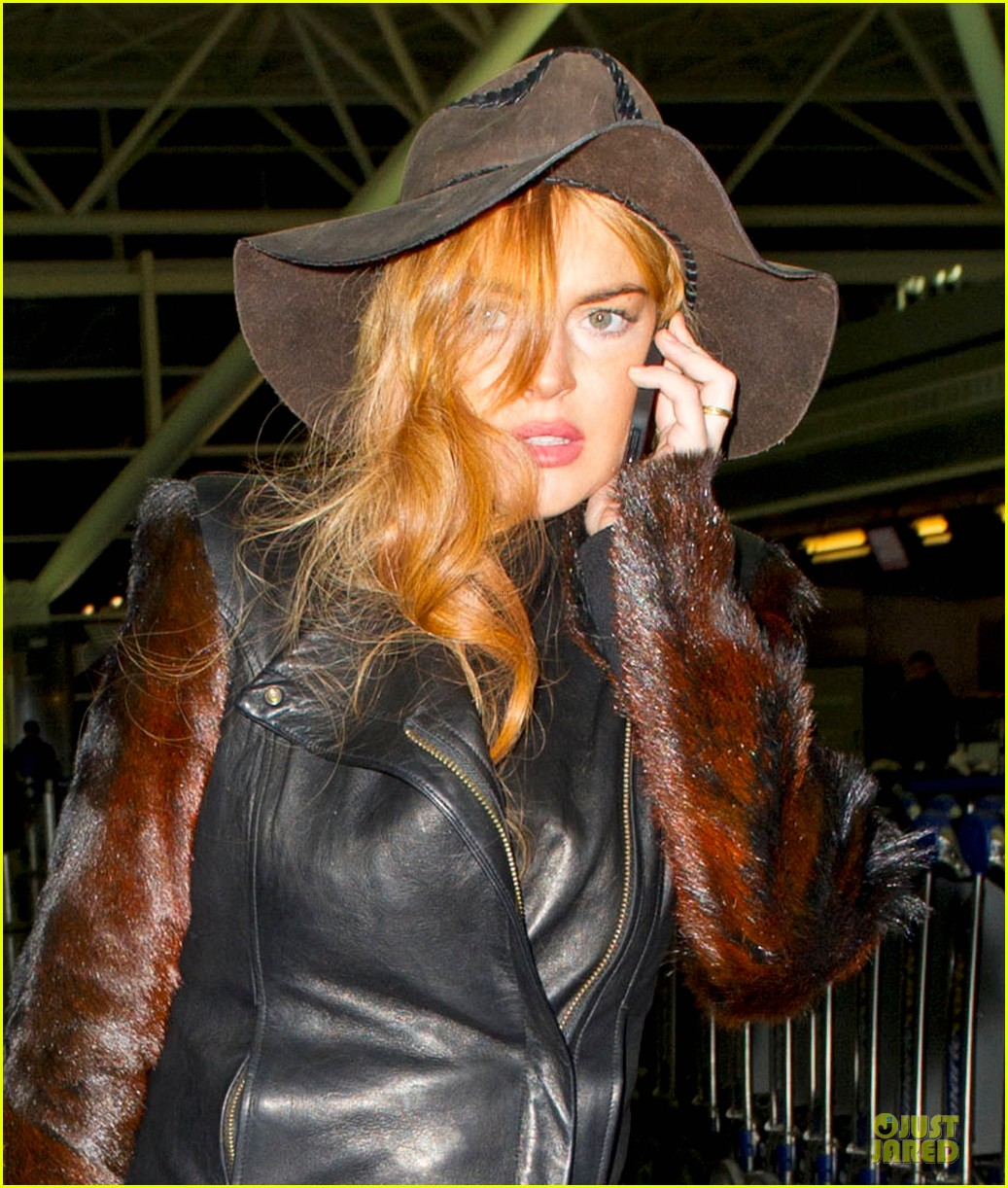 lindsay lohan departs jfk airport for court appearance 02