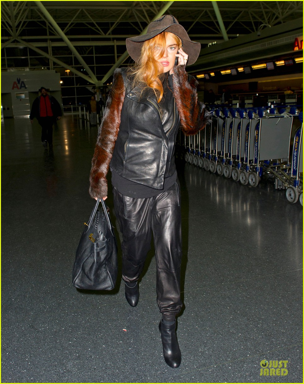 lindsay lohan departs jfk airport for court appearance 05