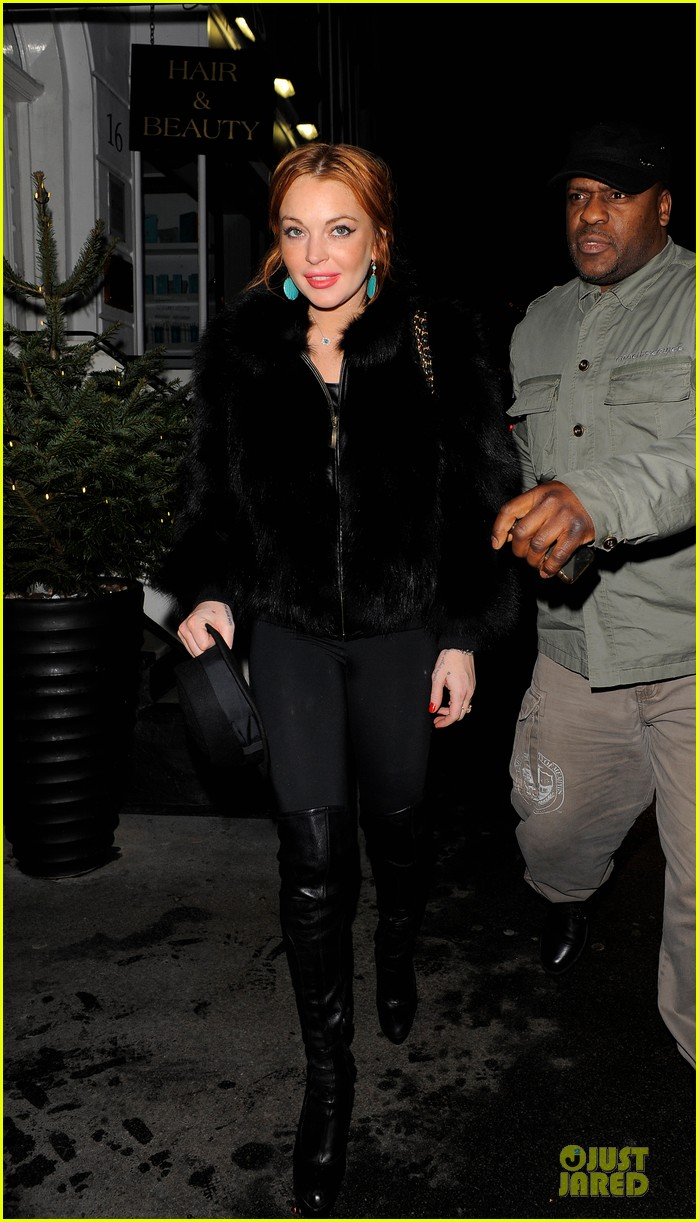 lindsay lohan nazomi restaurant dinner with pals 032784098