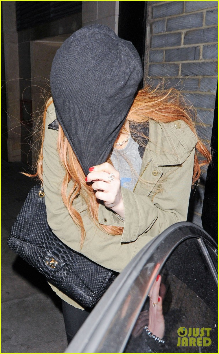 lindsay lohan rose club covert departure 042784643
