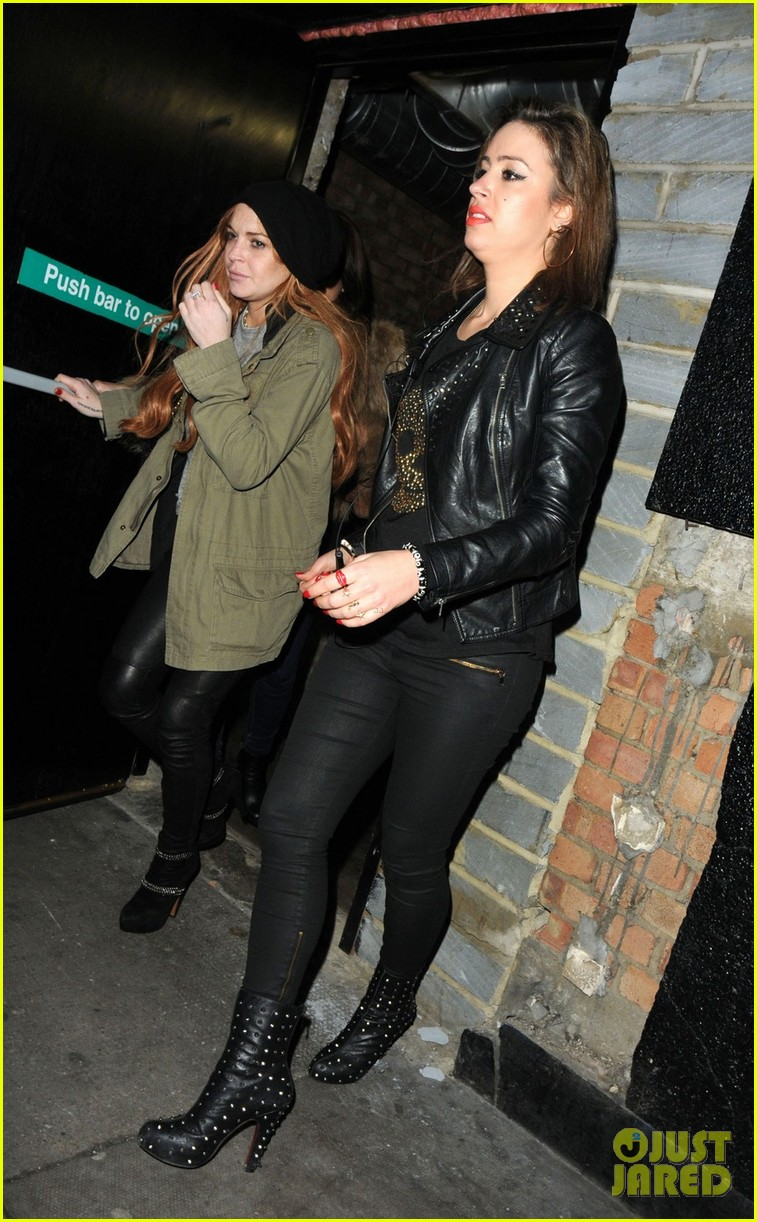 lindsay lohan rose club covert departure 052784644
