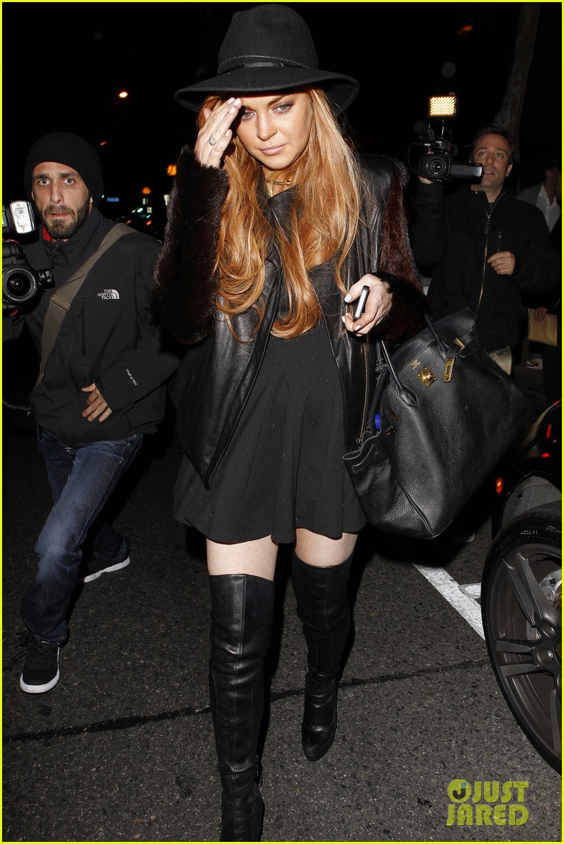 lindsay lohan dan tana dinner with lawyer mark heller 012801895