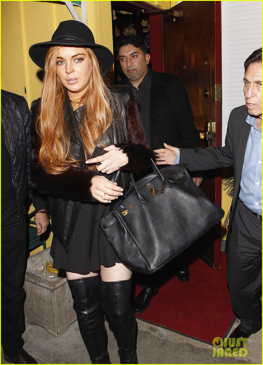lindsay lohan dan tana dinner with lawyer mark heller 07
