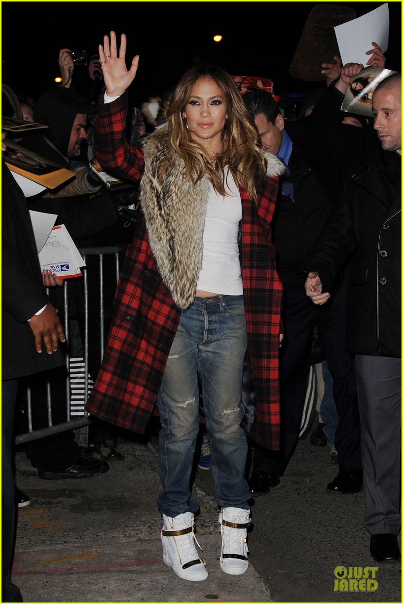 jennifer lopez the daily show with jon stewart appearance tomorrow 102796984
