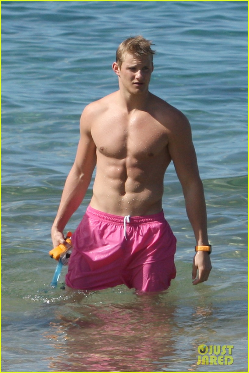 alexander ludwig shirtless six pack in hawaii 042787280