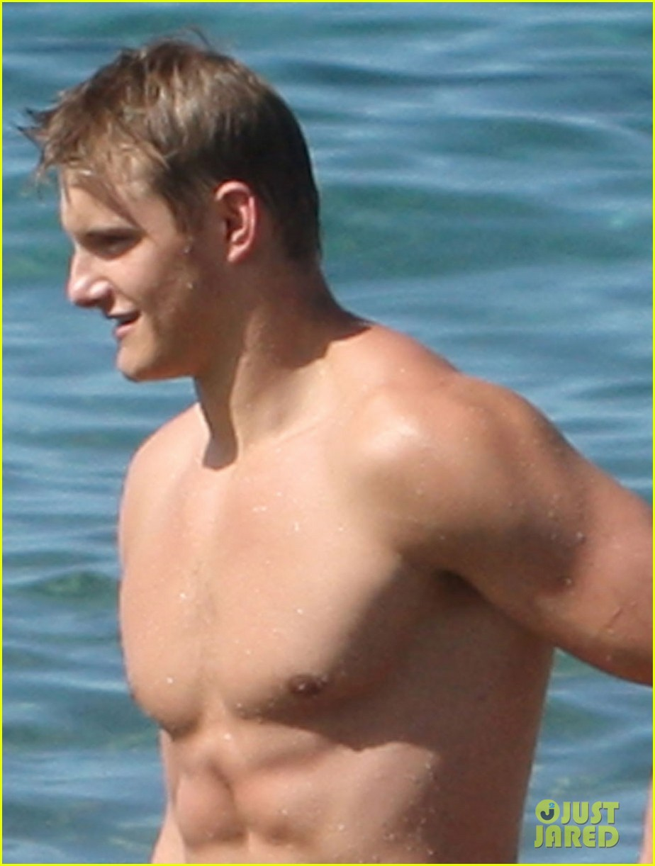 alexander ludwig shirtless six pack in hawaii 072787283