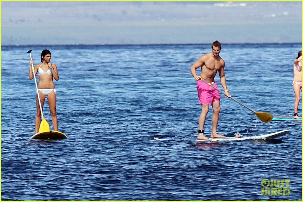 alexander ludwig shirtless six pack in hawaii 092787285