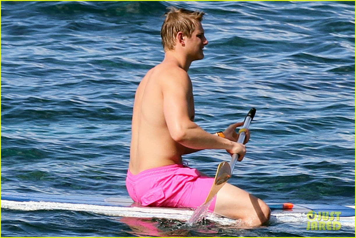 alexander ludwig shirtless six pack in hawaii 102787286