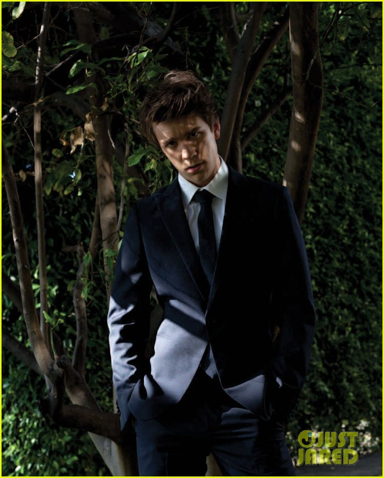 thomas mann beautiful creatures signing glow magazine feature 05
