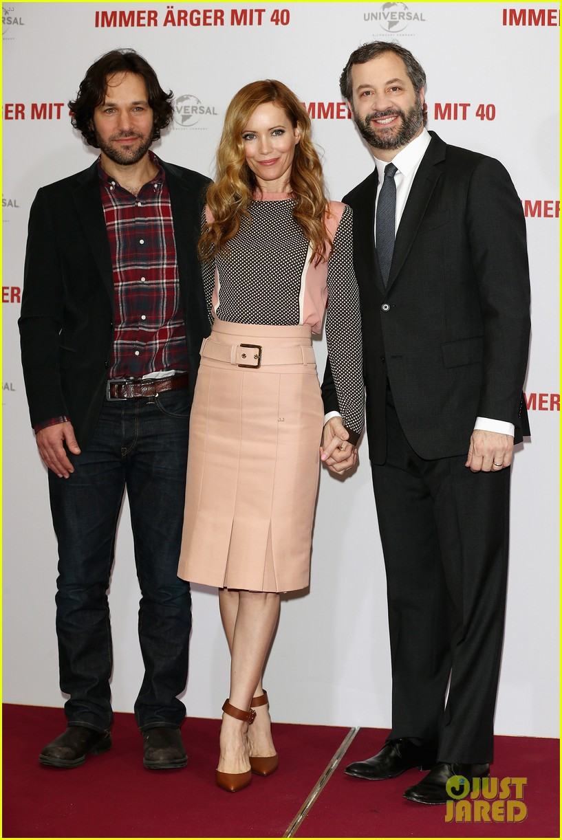 leslie mann paul rudd this is 40 berlin photo call 112801239