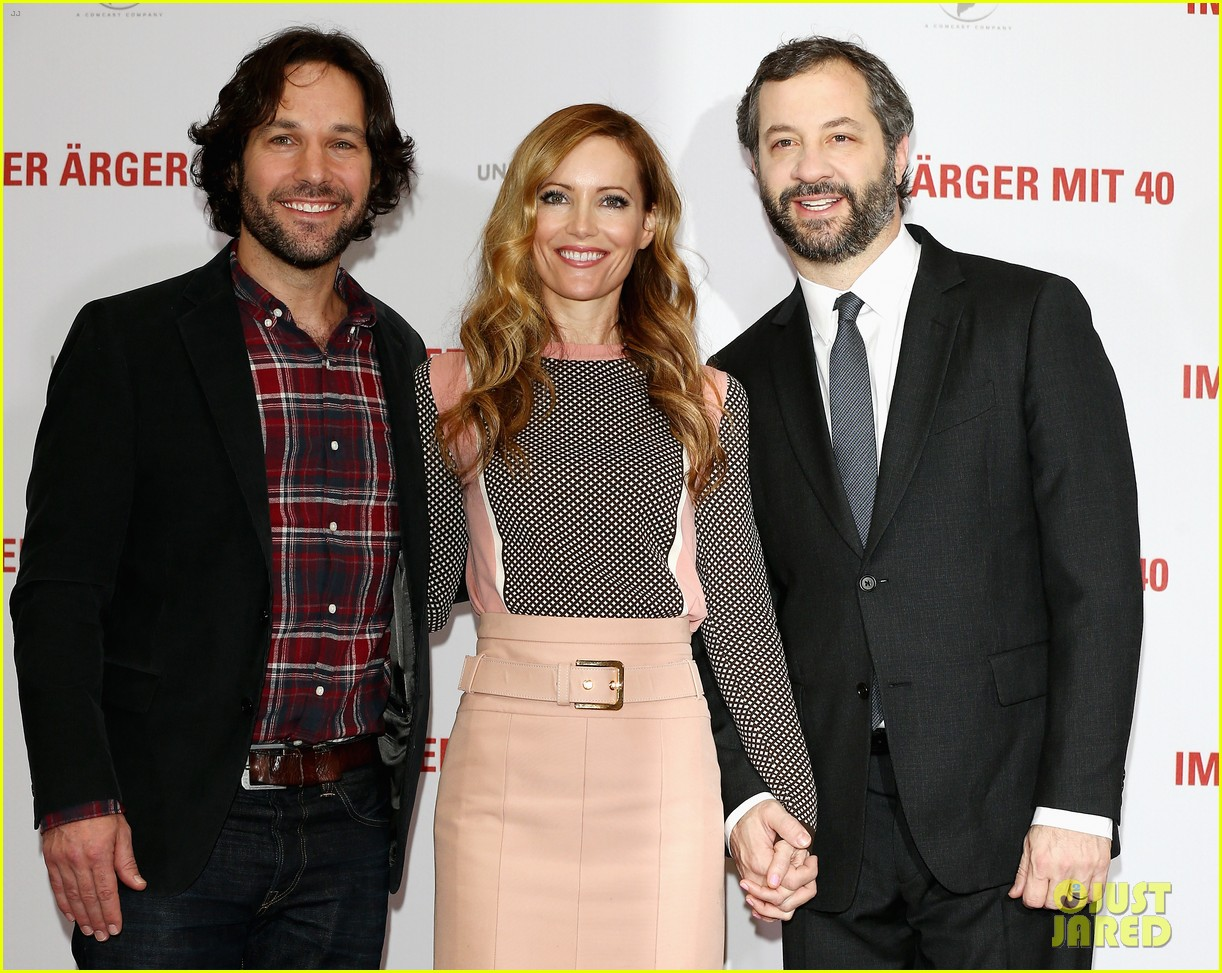 leslie mann paul rudd this is 40 berlin photo call 122801240