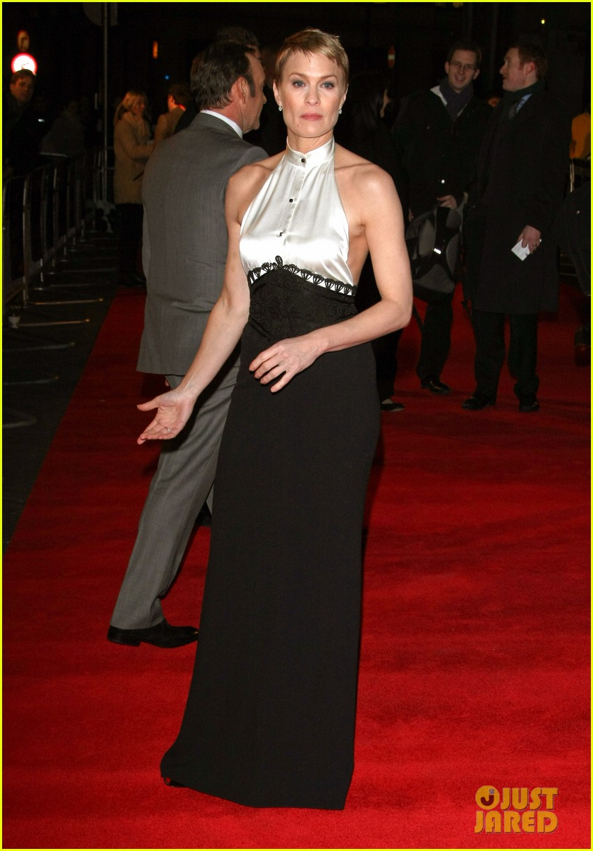 kate mara house of cards netflix premiere 052793655