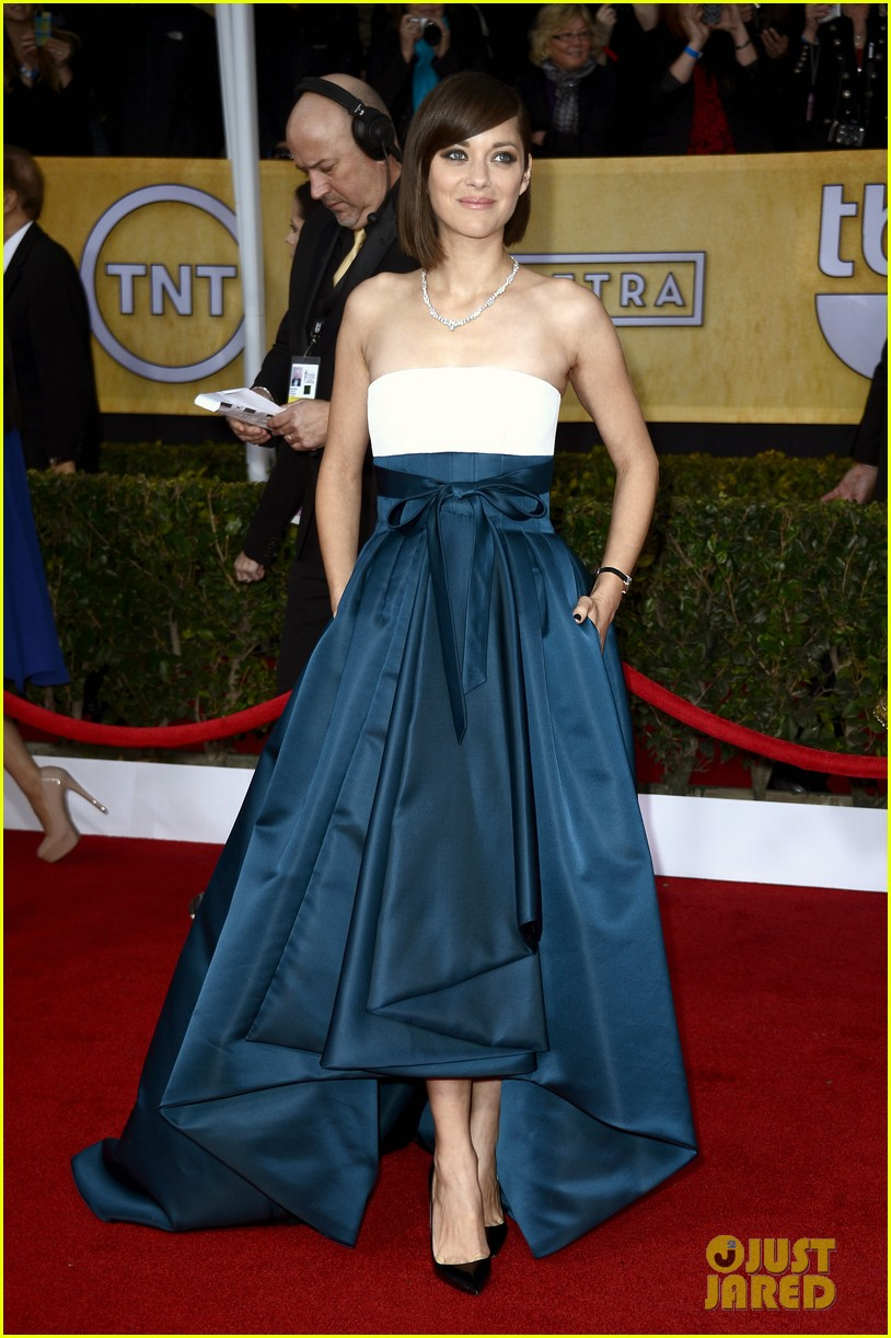 marion cotillard sag awards 2013 red carpet 052799781