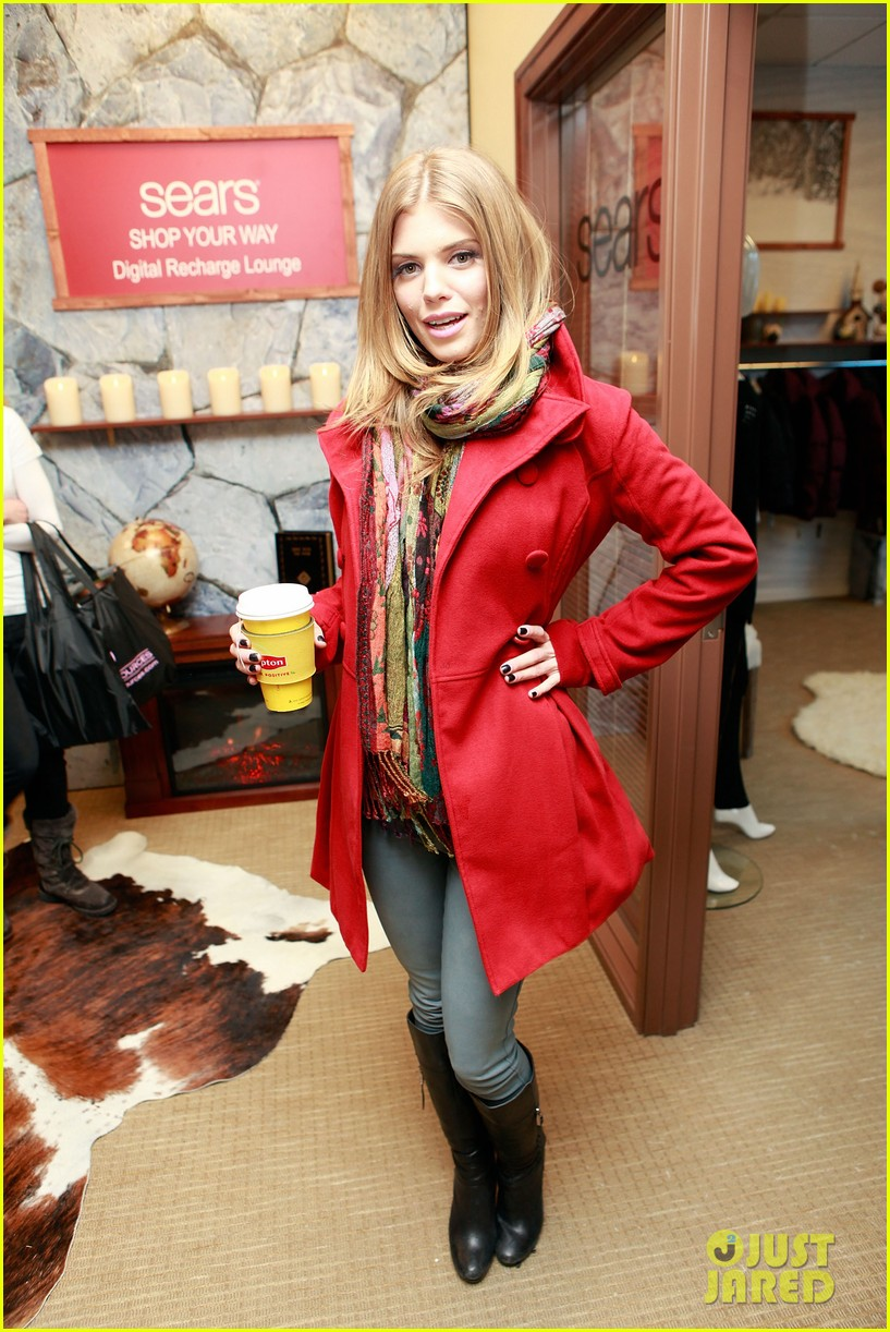 annalynne mccord takes sundance by storm 01