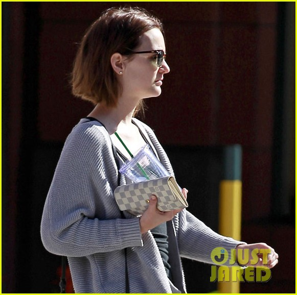 leighton meester misses new york after gossip girl ending 102801689