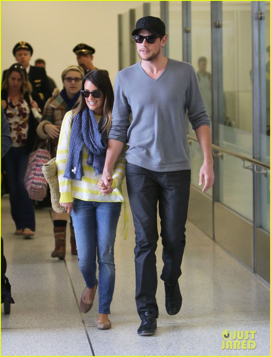 lea michele cory monteith holding hands at lax 01