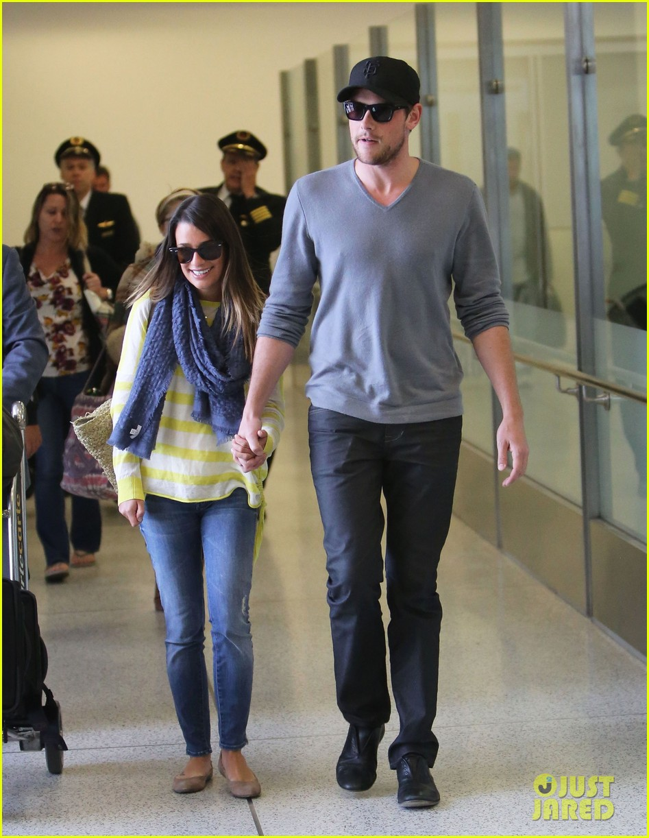 lea michele cory monteith holding hands at lax 082785449