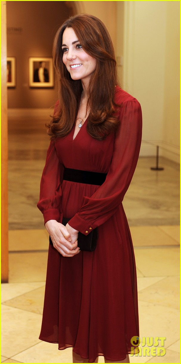 kate middleton baby bump portrait reveal 072789215