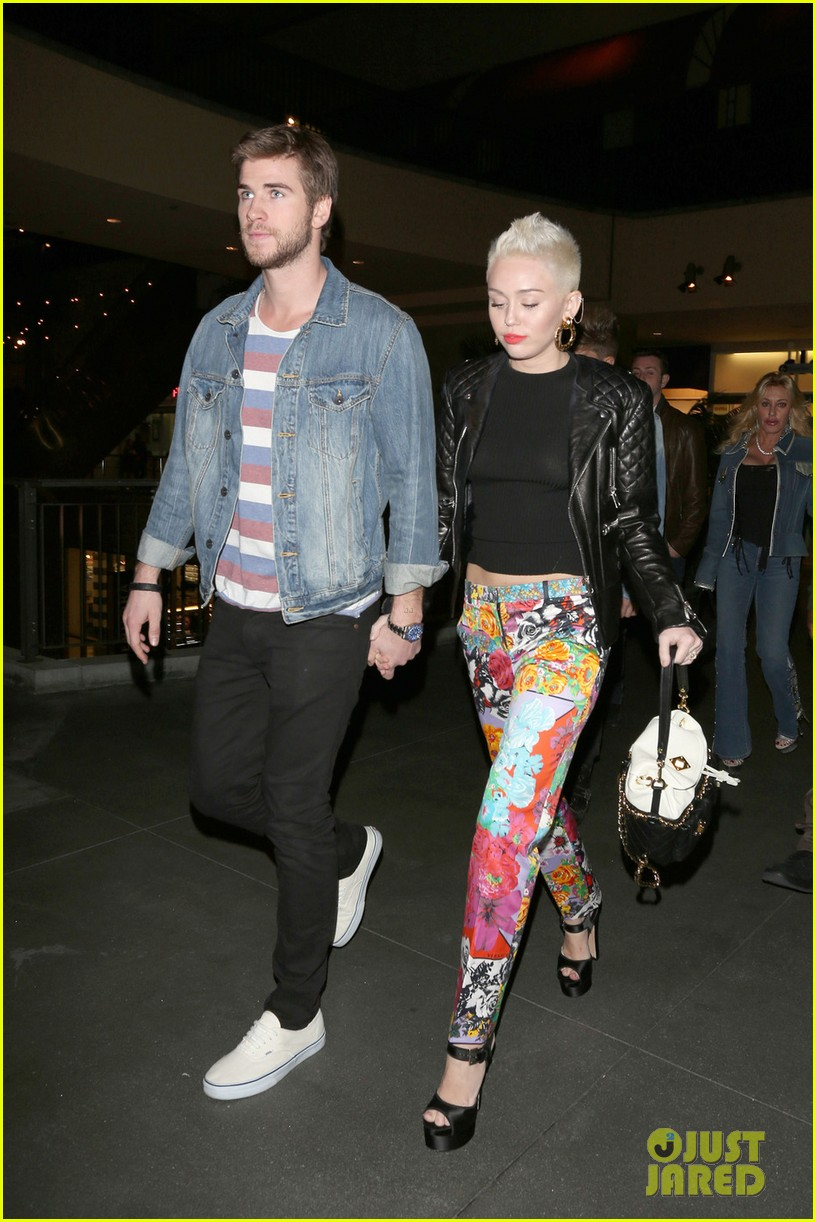 miley cyrus liam hemsworth noah cyrus birthday bash 012787478