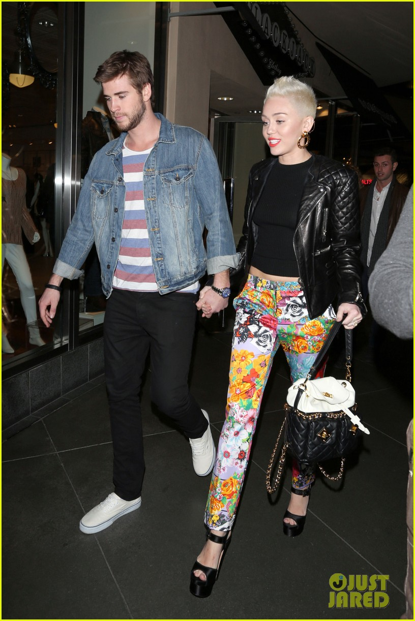 miley cyrus liam hemsworth noah cyrus birthday bash 05
