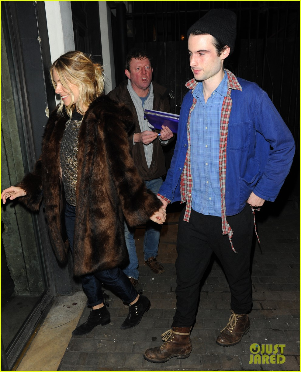 sienna miller tom sturridge no quarter press night 052793426