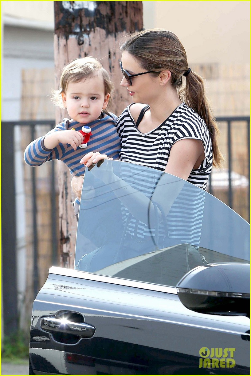 miranda kerr ballet class with flynn 28