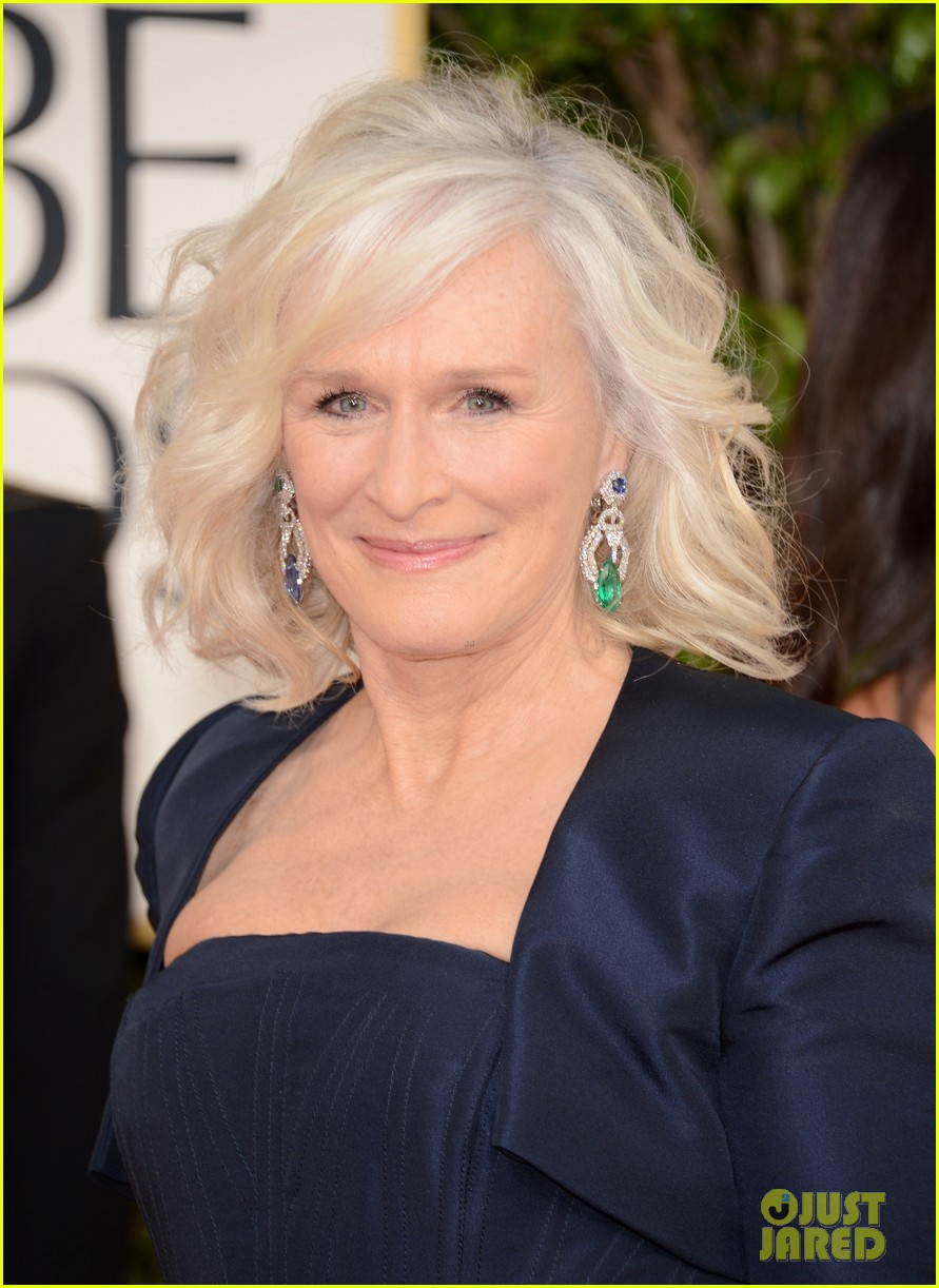 helen mirren glenn close golden globes 2013 red carpet 02