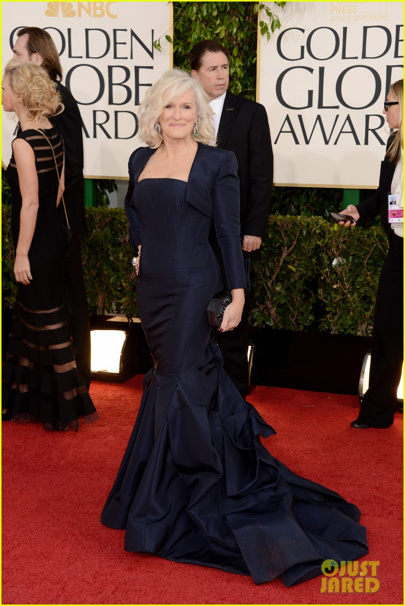 helen mirren glenn close golden globes 2013 red carpet 08