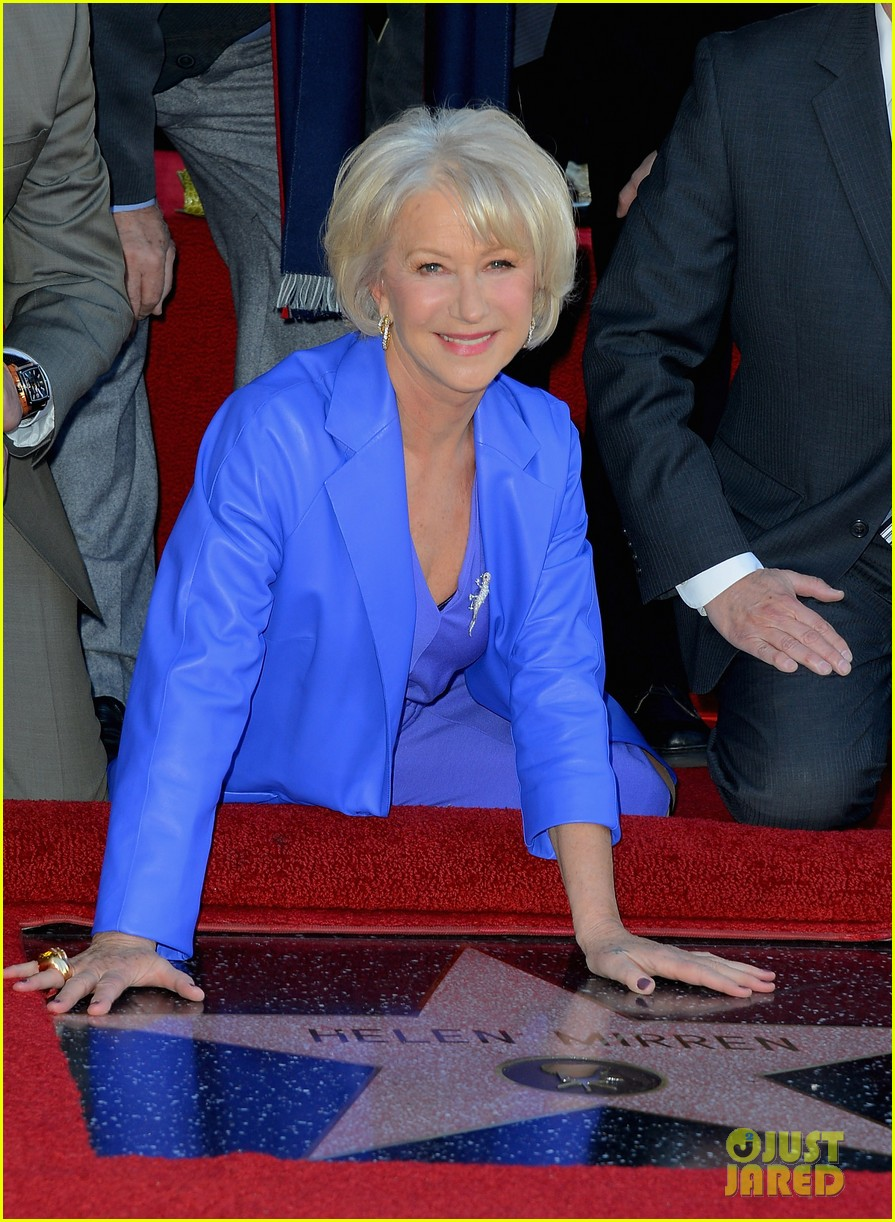 helen mirren receives star on hollywood walk of fame 102784352