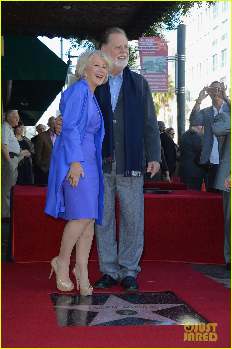 helen mirren receives star on hollywood walk of fame 202784362