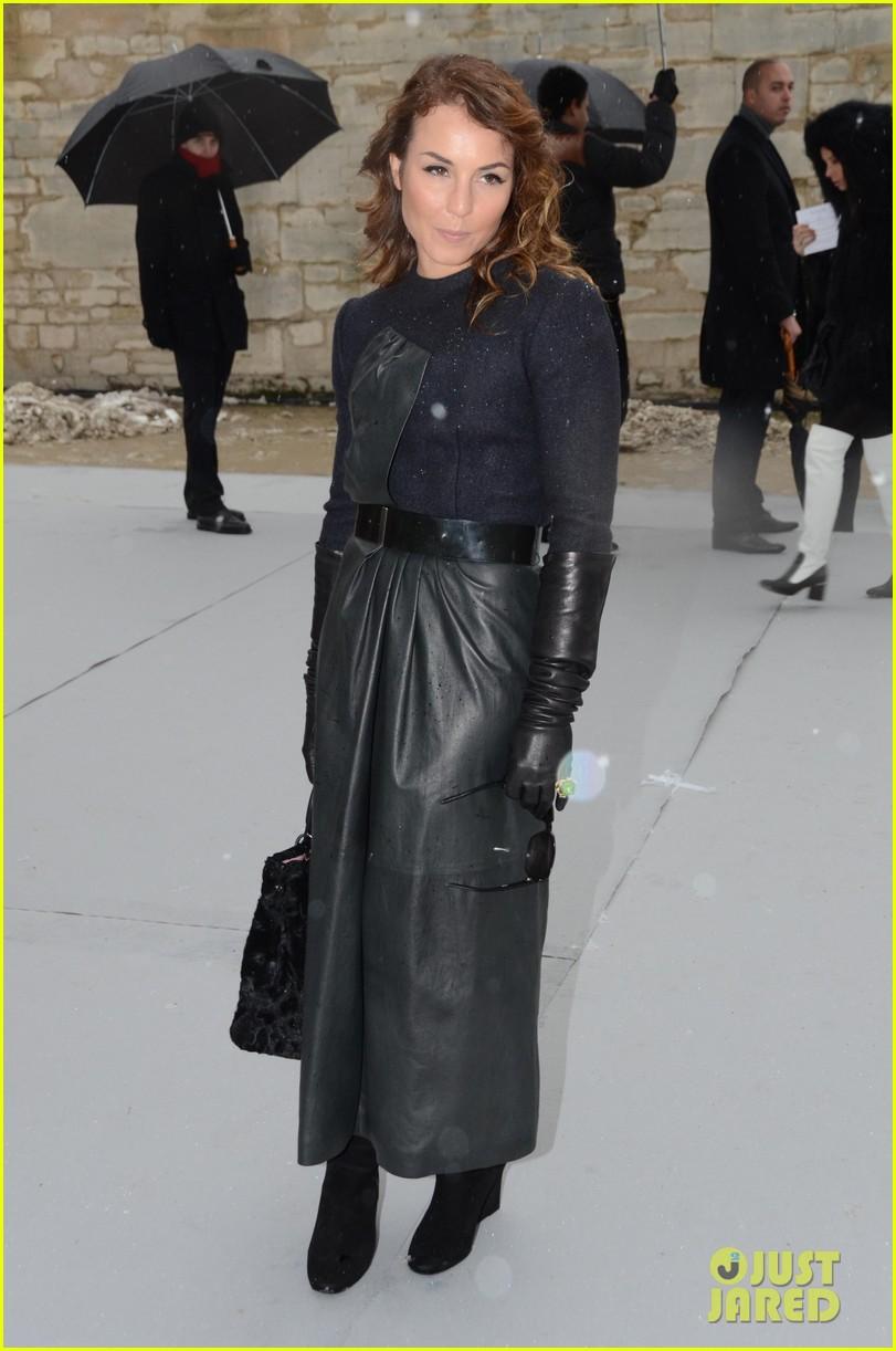 chloe moretz jessica alba christian dior paris fashion show 062796149